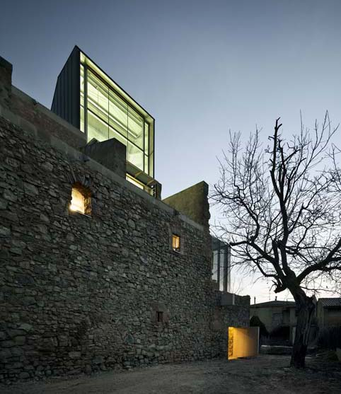 Conversione-in-Auditorium-del-Convento-di-San-Francesco-Santpedor-Spagna-David-Closes-5